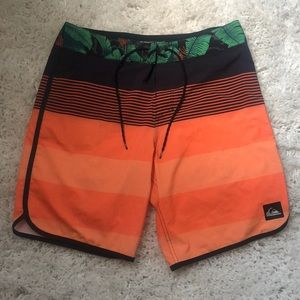 Mens QUIKSILVER dry flight swimtrunks boadshorts